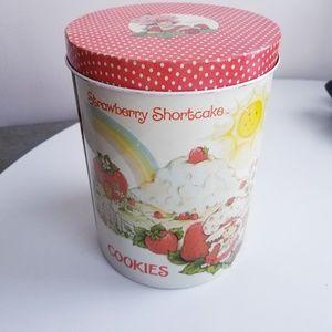 Vintage 1980 Strawberry Shortcake metal cookie tin